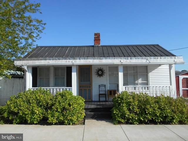 100 E 13TH Avenue, RANSON, WV 25438 (#WVJF138780) :: Pearson Smith Realty