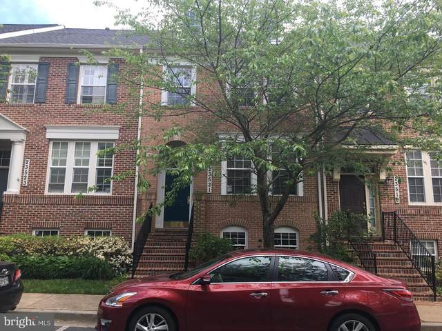 23521 Gardenside Place, CLARKSBURG, MD 20871 (#MDMC707592) :: Revol Real Estate