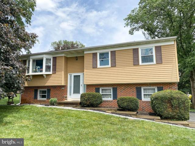 2501 Golden Drive, EAST PETERSBURG, PA 17520 (#PALA162926) :: The Heather Neidlinger Team With Berkshire Hathaway HomeServices Homesale Realty