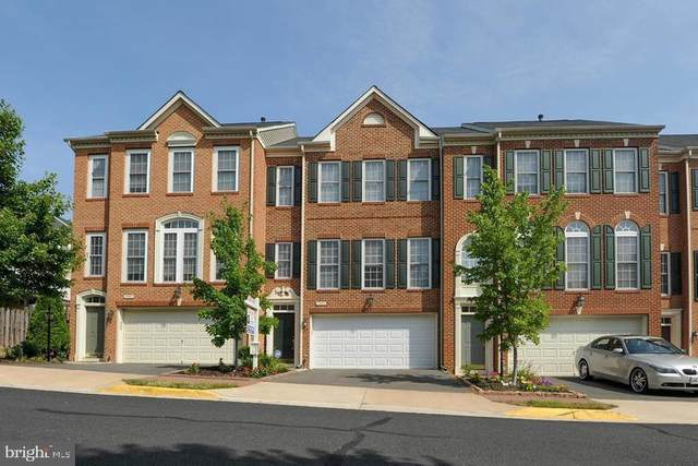 7992 Thomas Nevitt Street, LORTON, VA 22079 (#VAFX1129768) :: Bruce & Tanya and Associates