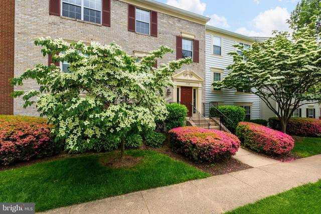 7725 Inversham Drive #139, FALLS CHURCH, VA 22042 (#VAFX1130132) :: Arlington Realty, Inc.