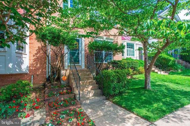 6734 Rockledge Place, CENTREVILLE, VA 20121 (#VAFX1130236) :: Pearson Smith Realty