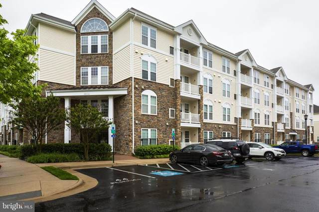 24701 Byrne Meadow Square #406, ALDIE, VA 20105 (#VALO411610) :: Blackwell Real Estate