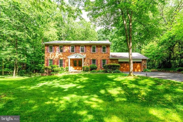 2802 Chariton Street, OAKTON, VA 22124 (#VAFX1130426) :: Debbie Dogrul Associates - Long and Foster Real Estate