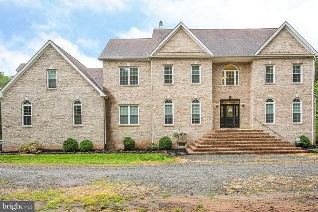 2227 Country Road, BEAVERDAM, VA 23015 (#VASP222188) :: Jacobs & Co. Real Estate