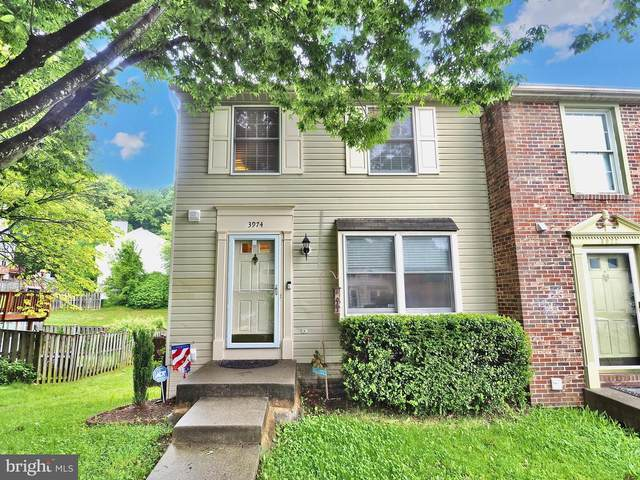 3974 Sunny Brook Court, WOODBRIDGE, VA 22192 (#VAPW495634) :: Mortensen Team