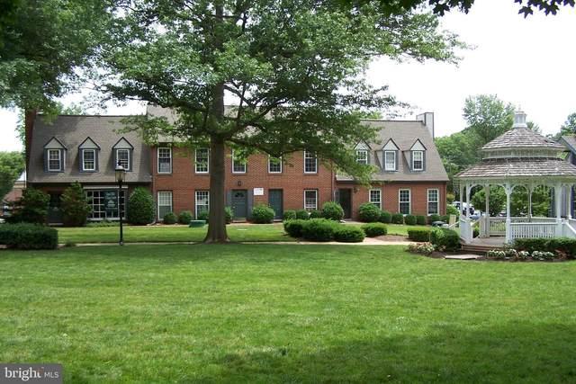 752 Walker Road C, GREAT FALLS, VA 22066 (#VAFX1130894) :: Jacobs & Co. Real Estate