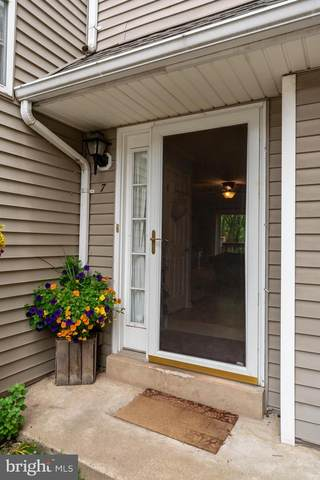 7 Horseshoe Drive, DOUGLASSVILLE, PA 19518 (#PABK358178) :: Linda Dale Real Estate Experts