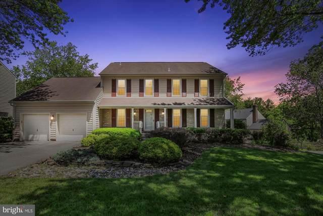 8923 Kenilworth Drive, BURKE, VA 22015 (#VAFX1131716) :: Seleme Homes
