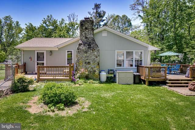 989 Summit Point Drive, FRONT ROYAL, VA 22630 (#VAWR140410) :: Bruce & Tanya and Associates