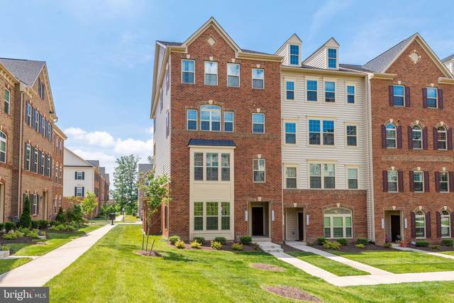 7075 Darbey Knoll Drive 8G, GAINESVILLE, VA 20155 (#VAPW496090) :: The Licata Group/Keller Williams Realty
