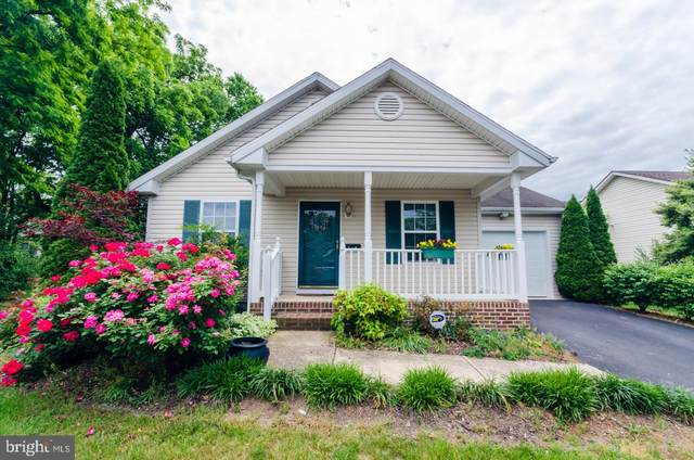 104 Spinners Lane, MARTINSBURG, WV 25401 (#WVBE177494) :: Pearson Smith Realty