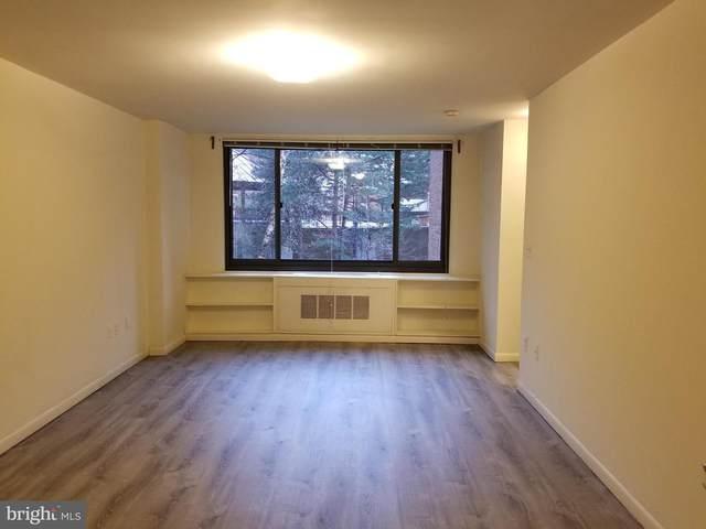 1011 Arlington Boulevard #217, ARLINGTON, VA 22209 (#VAAR163630) :: Debbie Dogrul Associates - Long and Foster Real Estate