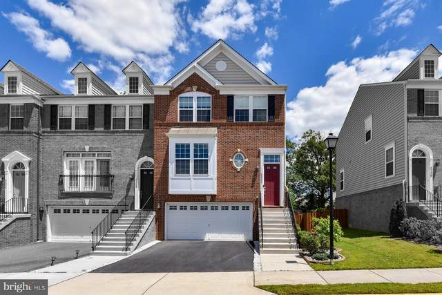 6200 Royal Crest Lane, ALEXANDRIA, VA 22310 (#VAFX1132566) :: Jennifer Mack Properties