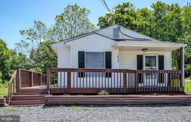 1632 Edgemont Avenue, FRONT ROYAL, VA 22630 (#VAWR140472) :: AJ Team Realty