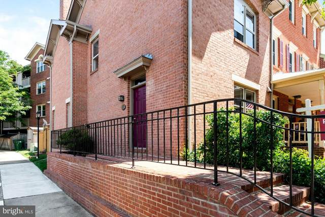 1531 Oronoco Street, ALEXANDRIA, VA 22314 (#VAAX247268) :: The Bob & Ronna Group