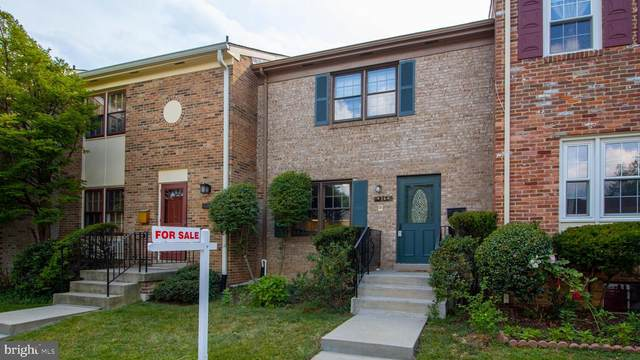 4364 Greenberry Lane, ANNANDALE, VA 22003 (#VAFX1134560) :: RE/MAX Cornerstone Realty