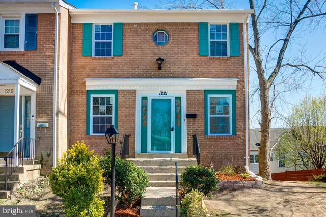 1221 Fox Run Place, WOODBRIDGE, VA 22191 (#VAPW497532) :: Tom & Cindy and Associates