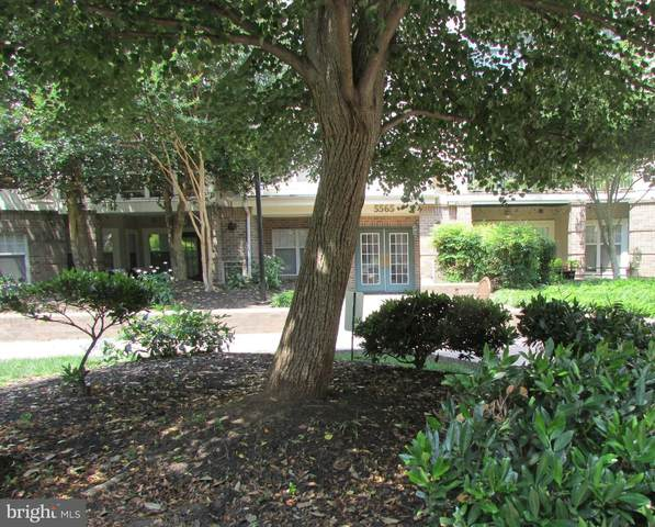 5565 Seminary Road #212, FALLS CHURCH, VA 22041 (#VAFX1136350) :: Arlington Realty, Inc.