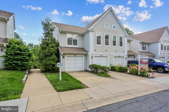 1049 Hillside Lake Terrace #1202, GAITHERSBURG, MD 20878 (#MDMC713104) :: The Miller Team