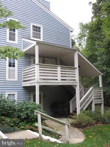 7819 Willow Point Drive, FALLS CHURCH, VA 22042 (#VAFX1136936) :: The Miller Team