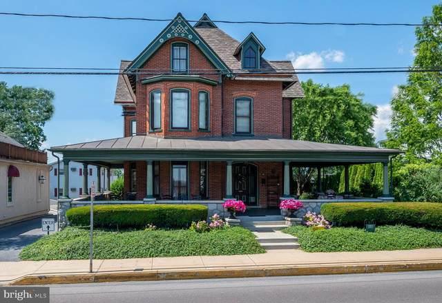 111 W Main Street, NEW HOLLAND, PA 17557 (#PALA165660) :: The Joy Daniels Real Estate Group
