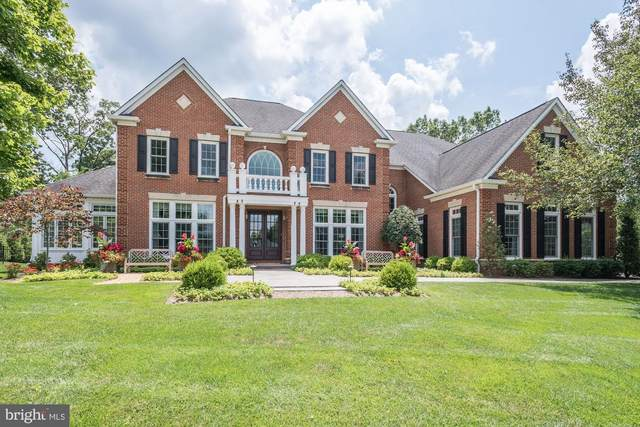 10403 Polo Club Court, GREAT FALLS, VA 22066 (#VAFX1139796) :: Network Realty Group