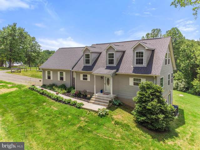 7510 Chestnut Hill Lane, MARSHALL, VA 20115 (#VAFQ166292) :: Bob Lucido Team of Keller Williams Integrity