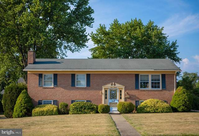 320 E Magnolia Avenue, HAGERSTOWN, MD 21742 (#MDWA173342) :: Bob Lucido Team of Keller Williams Integrity