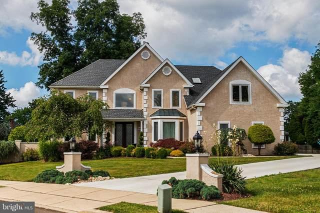 3900 Pond View Lane, HUNTINGDON VALLEY, PA 19006 (#PAMC655854) :: Scott Kompa Group