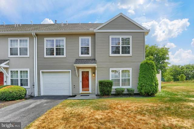 111 Courtyard Drive, CARLISLE, PA 17013 (#PACB125578) :: Liz Hamberger Real Estate Team of KW Keystone Realty