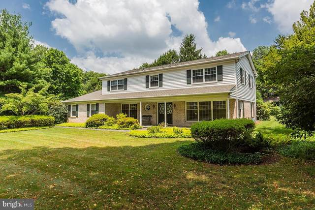 1425 Meadowbrook Road, LANCASTER, PA 17603 (#PALA166456) :: John Smith Real Estate Group