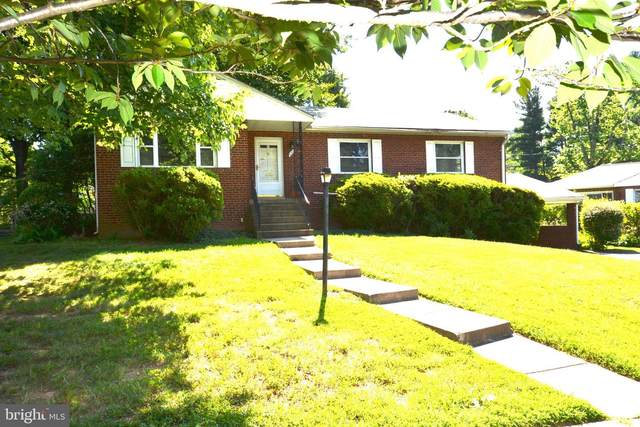 3209 Patrick Henry Drive, FALLS CHURCH, VA 22044 (#VAFX1141754) :: Arlington Realty, Inc.
