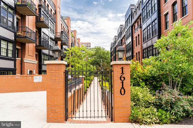 1610 N Queen Street #245, ARLINGTON, VA 22209 (#VAAR166274) :: Jennifer Mack Properties