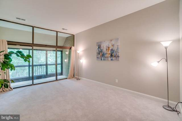 1665 Parkcrest Circle #300, RESTON, VA 20190 (#VAFX1143054) :: Bic DeCaro & Associates
