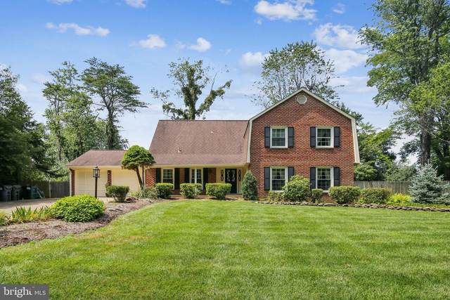2726 Clarkes Landing Drive, OAKTON, VA 22124 (#VAFX1143258) :: Debbie Dogrul Associates - Long and Foster Real Estate