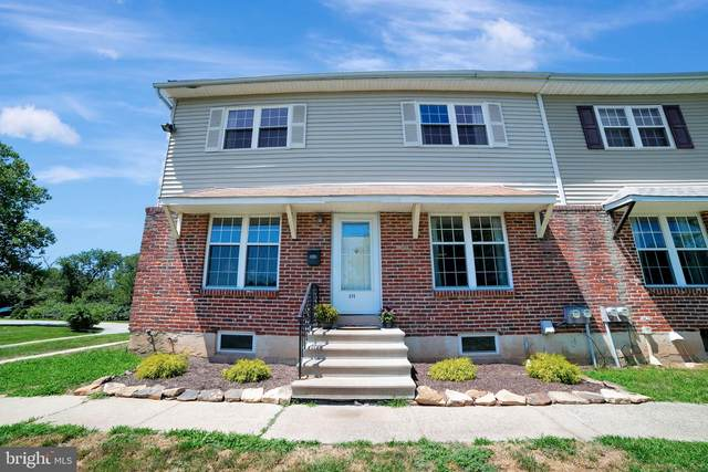 614 Whitpain Hills, BLUE BELL, PA 19422 (#PAMC657944) :: Linda Dale Real Estate Experts