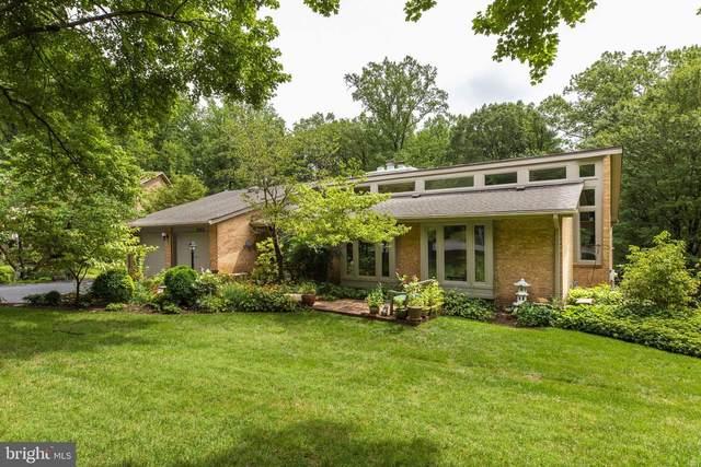 9025 Weatherwood Court, VIENNA, VA 22182 (#VAFX1144508) :: Debbie Dogrul Associates - Long and Foster Real Estate