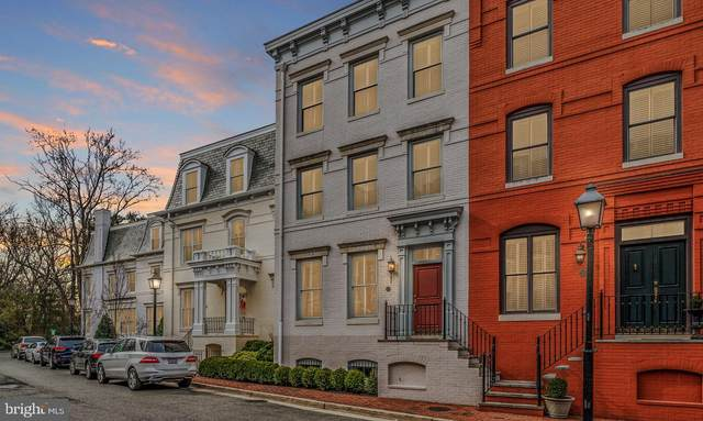 723 S Union Street, ALEXANDRIA, VA 22314 (#VAAX249012) :: Debbie Dogrul Associates - Long and Foster Real Estate