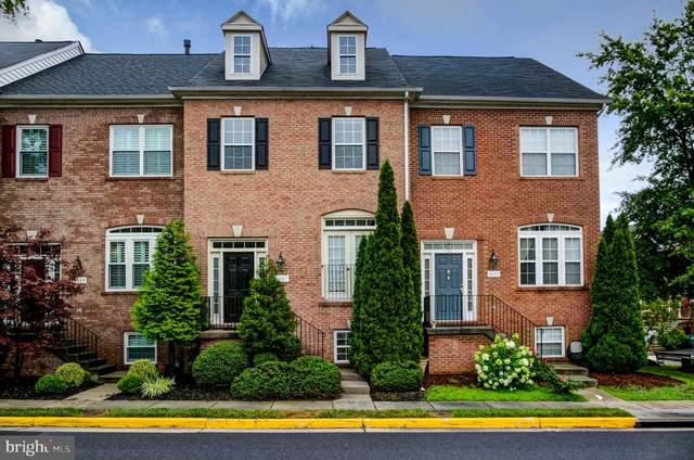 4687 Carisbrooke Lane, FAIRFAX, VA 22030 (#VAFX1144540) :: AJ Team Realty