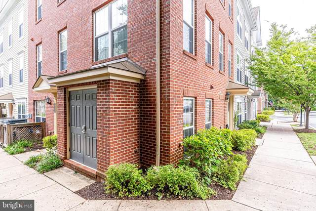 3909 Old Dominion Boulevard #313, ALEXANDRIA, VA 22305 (#VAAX249026) :: Jennifer Mack Properties