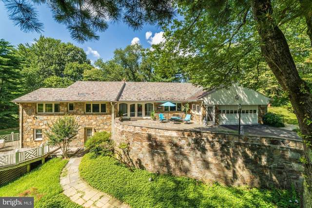 2747 N Nelson Street, ARLINGTON, VA 22207 (#VAAR166940) :: Debbie Dogrul Associates - Long and Foster Real Estate