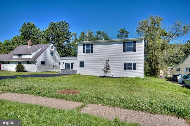 418 Holly Drive, LEVITTOWN, PA 19055 (#PABU503036) :: The Dailey Group
