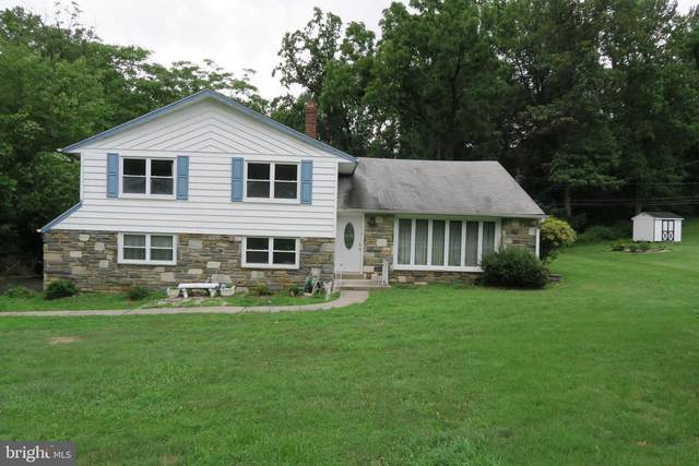 1812 Oakwynne Road, HUNTINGDON VALLEY, PA 19006 (#PAMC658928) :: ExecuHome Realty