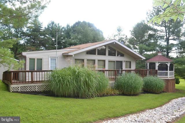 213 The Woods Road, HEDGESVILLE, WV 25427 (#WVBE179248) :: The Putnam Group