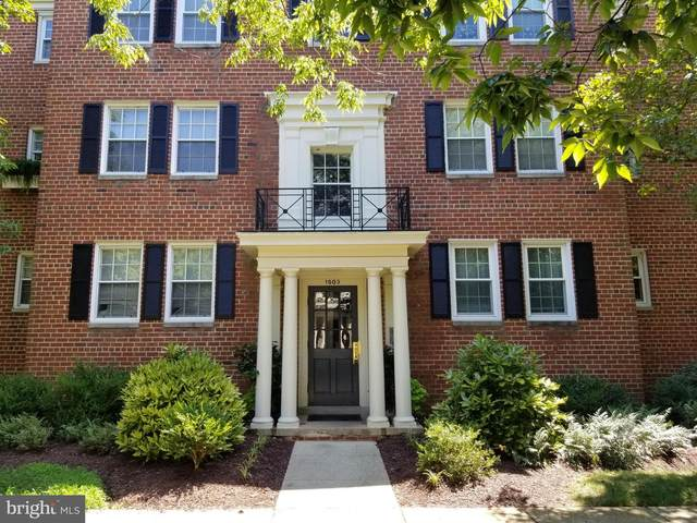 1503 Belle View Boulevard C2, ALEXANDRIA, VA 22307 (#VAFX1146336) :: The Putnam Group