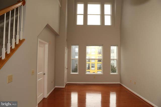 2655 Prosperity Avenue #405, FAIRFAX, VA 22031 (#VAFX1146422) :: Tom & Cindy and Associates