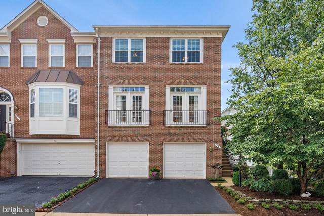 5725 Governors Pond Circle, ALEXANDRIA, VA 22310 (#VAFX1147112) :: Bruce & Tanya and Associates