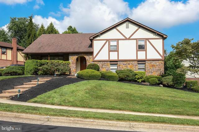 2543 Kirk Drive, HUNTINGDON VALLEY, PA 19006 (#PAMC659952) :: John Lesniewski | RE/MAX United Real Estate