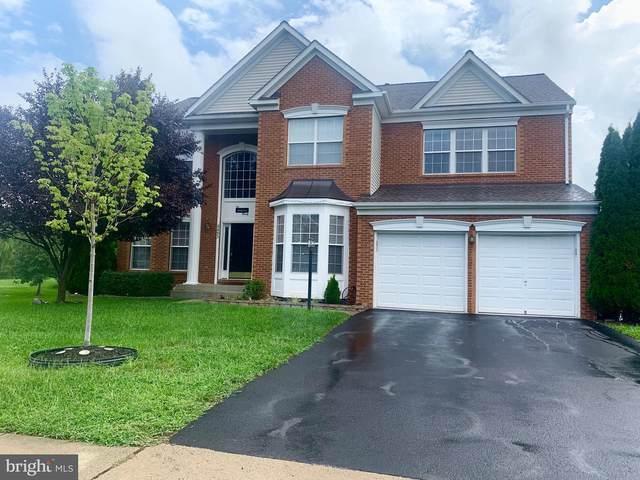 8493 Lanier Overlook Court, BRISTOW, VA 20136 (#VAPW502120) :: John Lesniewski | RE/MAX United Real Estate